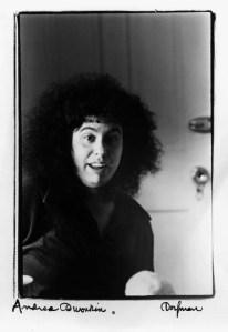 Andrea Dworkin por Elsa Dorfman, 1974.